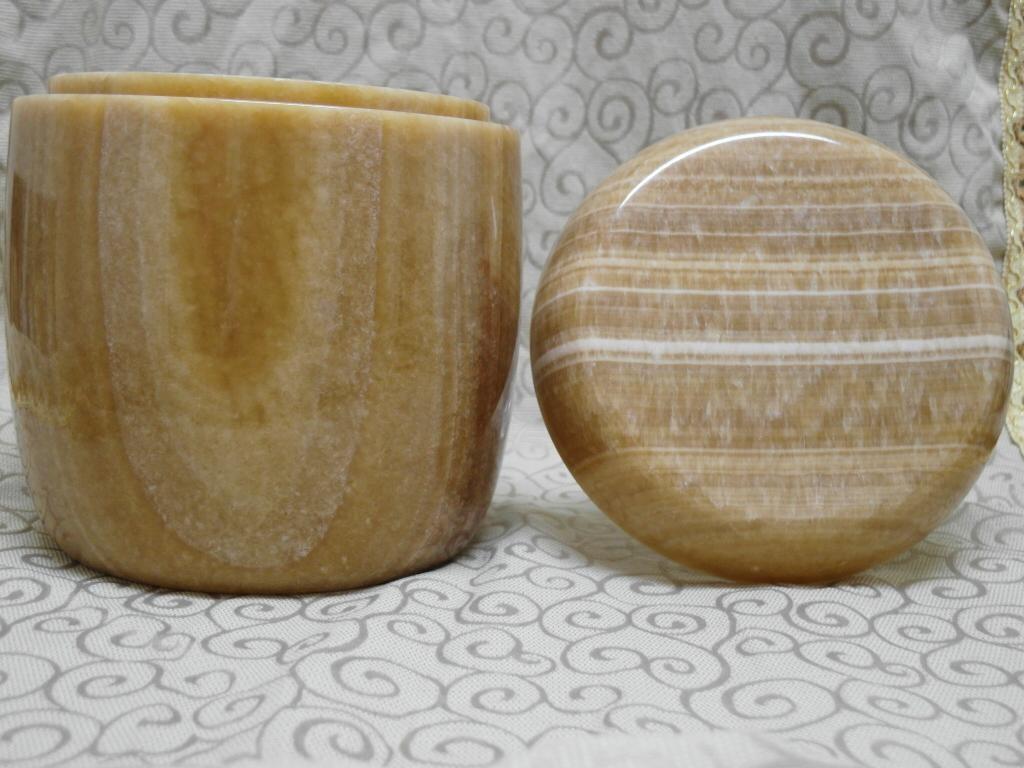 一般公塔 - 琥珀玉   (原價35,000  特價28,000)