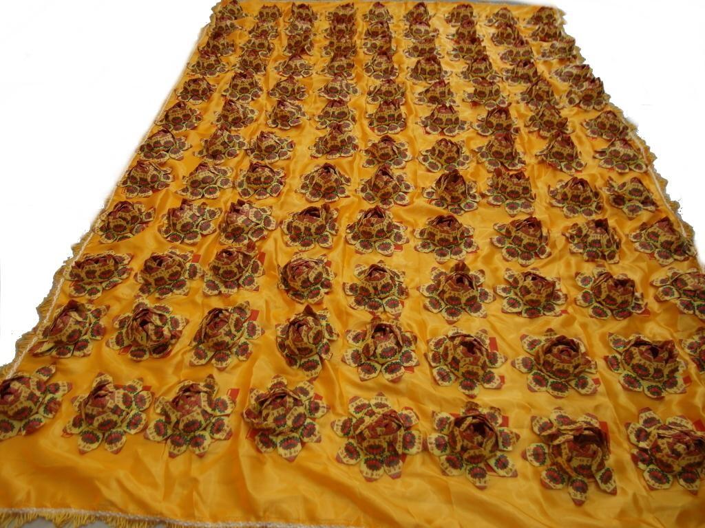 大件蓮花被(黃)  $1800
